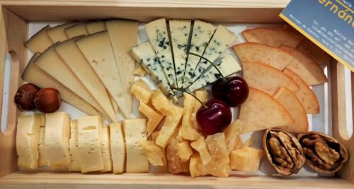 Tablas de embutidos, fiambres y quesos